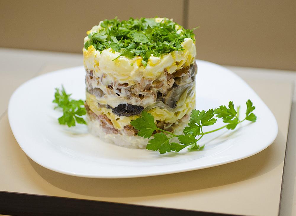 №9 - сытный салат для мужа