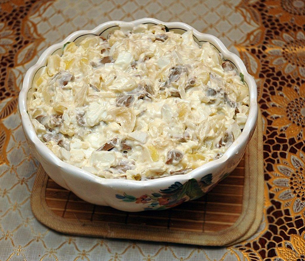 №3 - салат с шампиньонами и картофелем