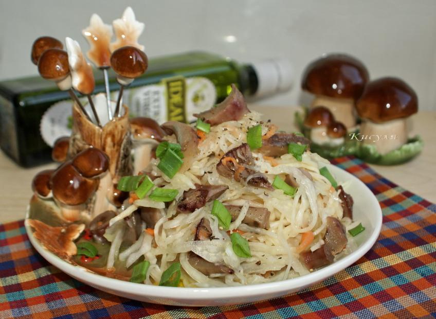 салаты с солёными груздями, как приготовить
