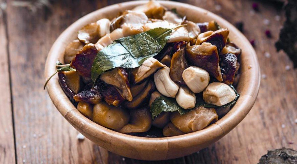маринованные грибы валуи с добавлением уксусной эссенцией