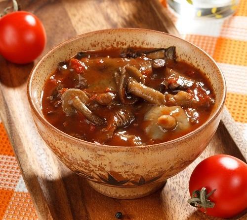 грибная солянка из опят в натуральном томатном соусе