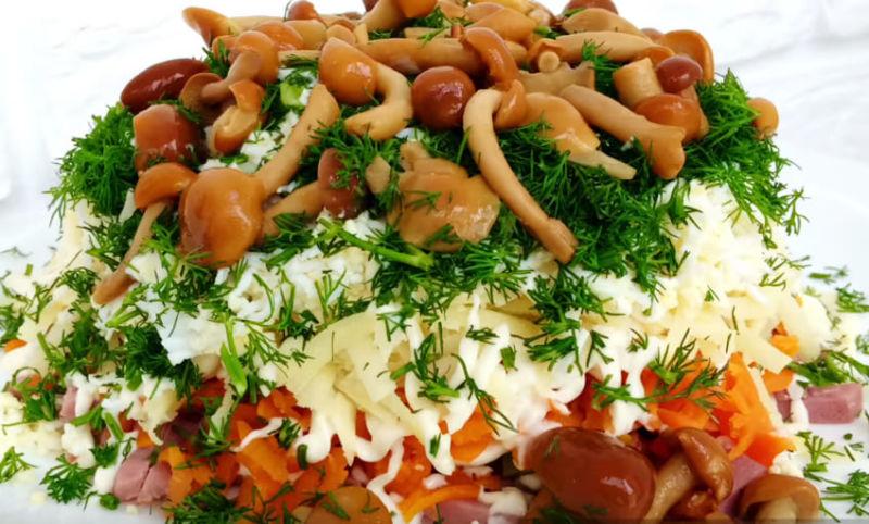 салат лесная поляна с ветчиной и опятами, рецепт и фото готовой закуски