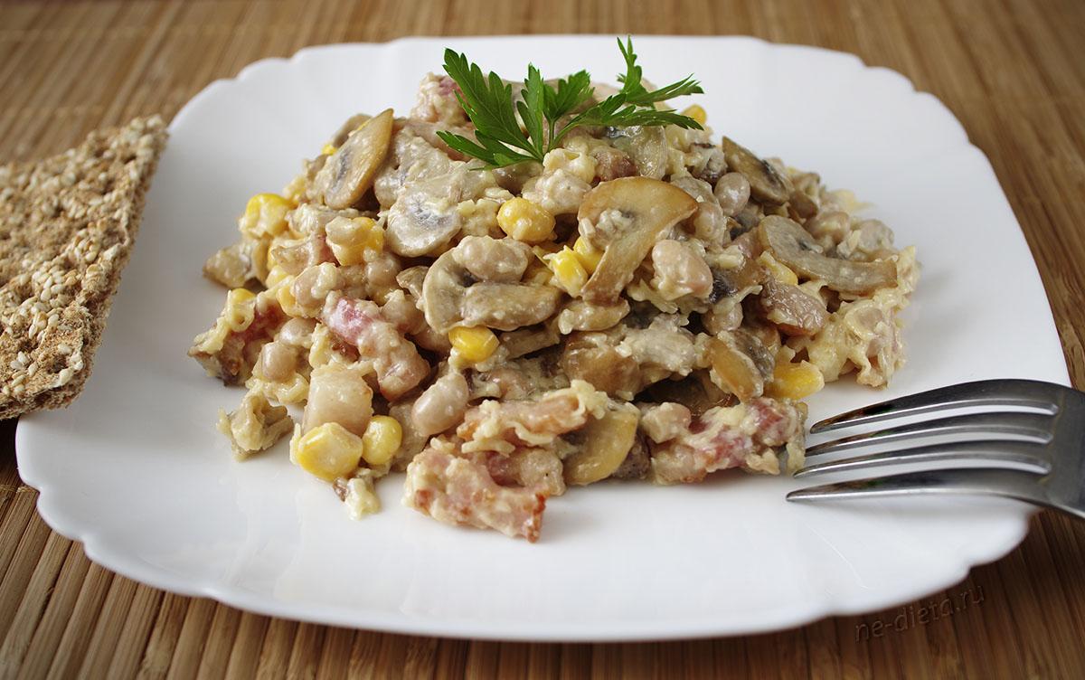 Салат с шампиньонами и ветчиной - 8 рецептов приготовления