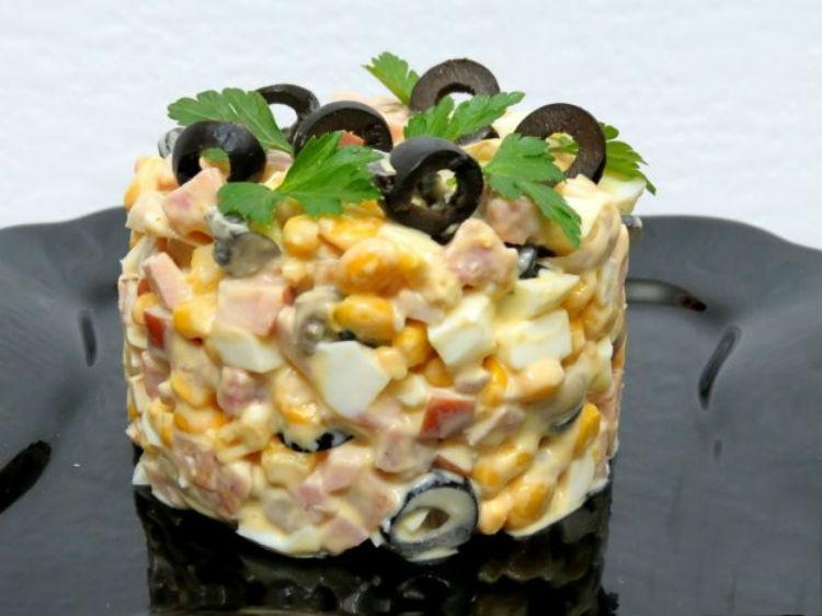 видео и фото: салат с шампиньонами и ветчиной 3