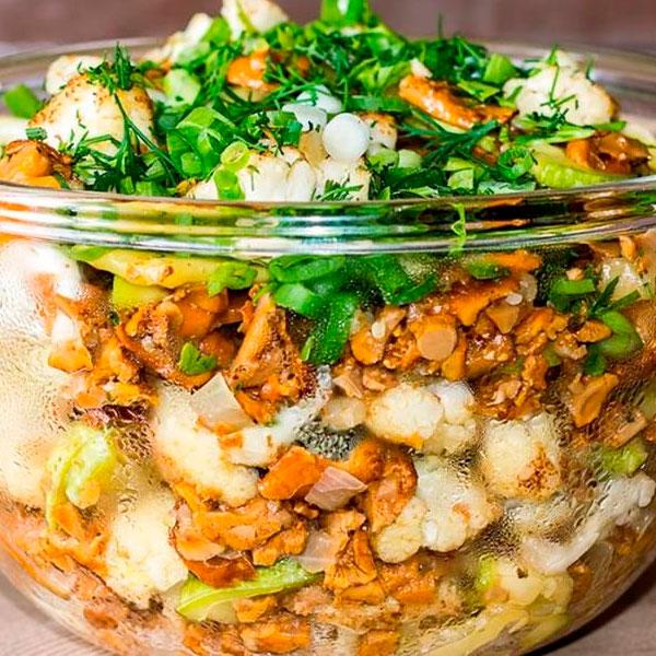 диетический салат из рыжиков солёных и картофеля