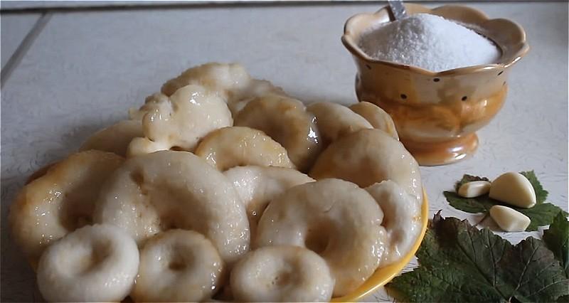 простой и очень вкусный рецепт - соление груздей горячим способом в банках на зиму