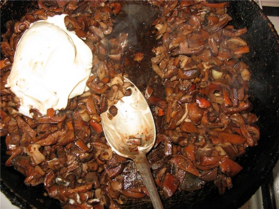 жареные рыжики с майонезом на зиму в банках, простой рецепт на фото