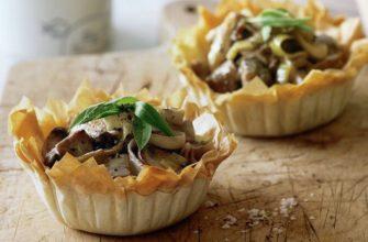 Тарталетки с курицей и грибами: 3 рецепта от шеф повара