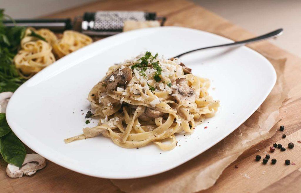 Паста карбонара с грибами: лучшие рецепты