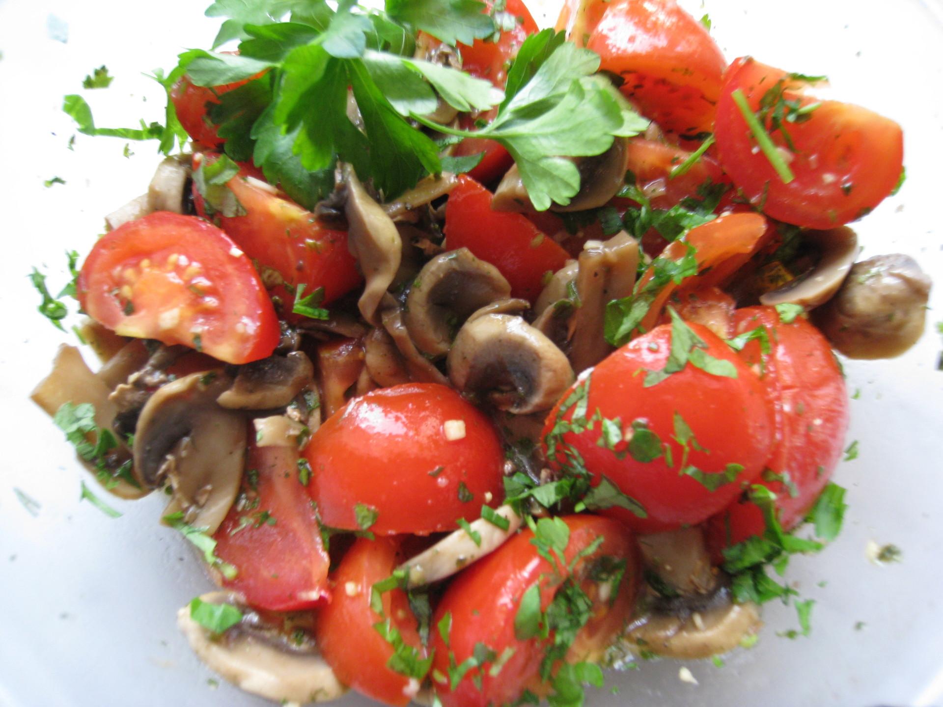 Грибной салат с помидорами – пошаговый рецепт с фотографиями