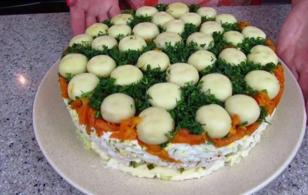 salat-gribnaya-polyana-na-prazdnicnij-stol.jpg