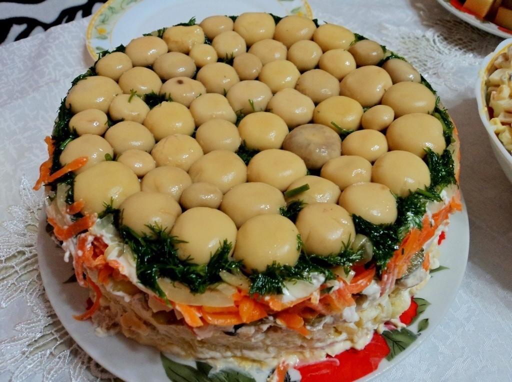 салат-грибная-поляна-с-корейской-морковкой.jpg