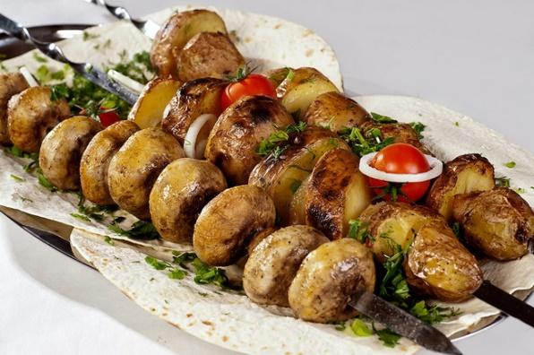 Шашлык из шампиньонов в духовке: как приготовить быстро и вкусно?