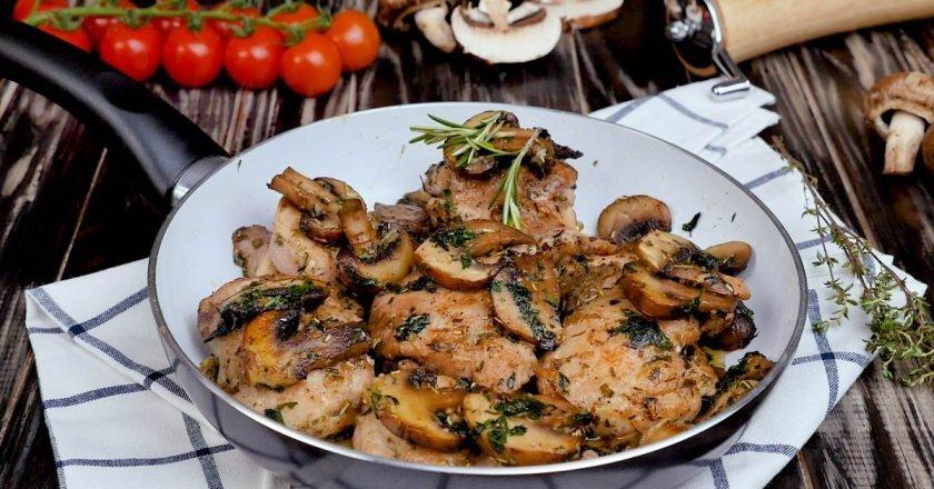 Курица с грибами – это просто, быстро и вкусно
