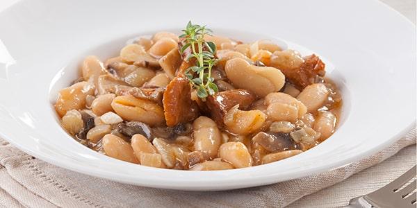 Фасоль с грибами – от консервов до жаркого