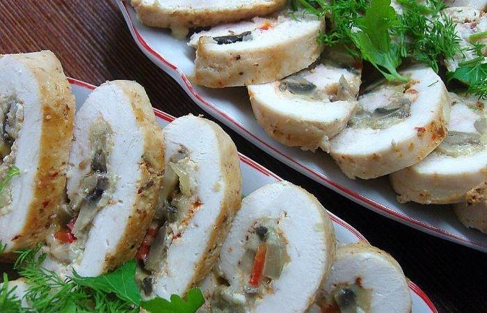 Куриные рулетики с грибами и другие варианты рулетов с грибами