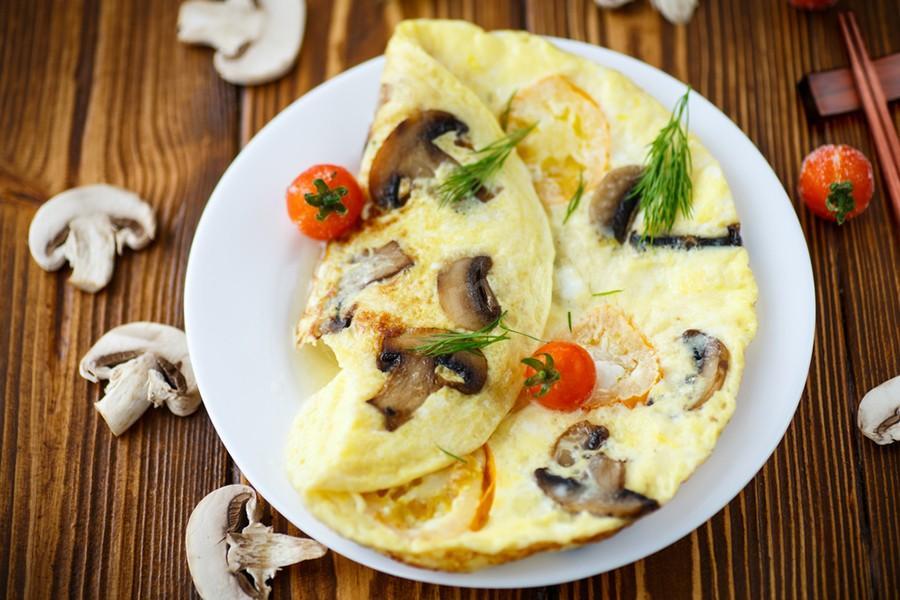 Омлет с грибами – деревенский рецепт