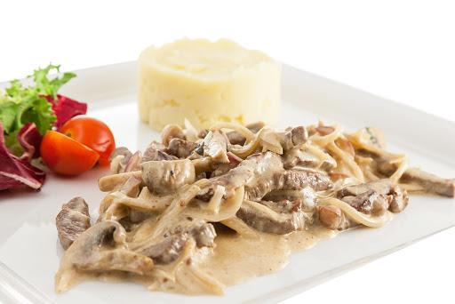 Бефстроганов из говядины с грибами – рецепт пикантного обеда